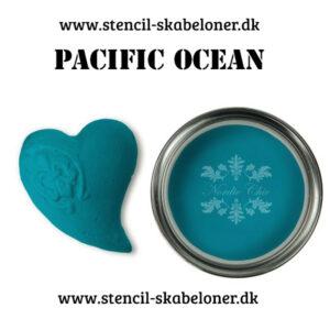 Pacific Ocean er en utrolig dyb flot blå kalkmaling som lever fuldt ud op til dens navn - dækker stort set første gang.