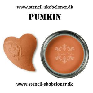Pumkin er en super smuk kalkmaling i en dyb og smuk orange farve. Den passer SÅ godt med mange af de andre kalkmaling farver fra Nordic Chic